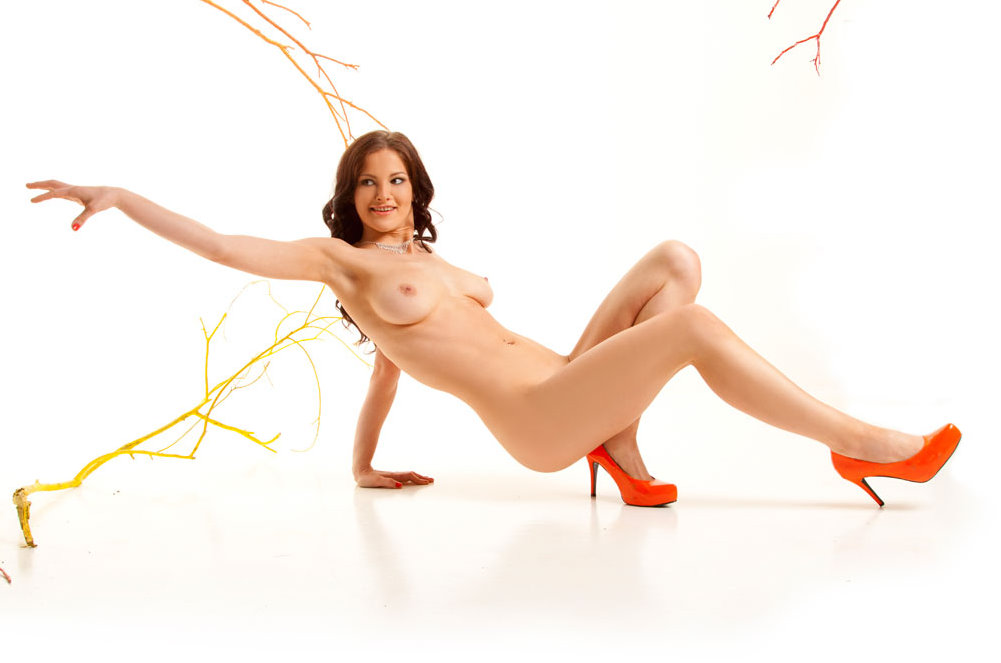 mc-nudes-keira-autumn